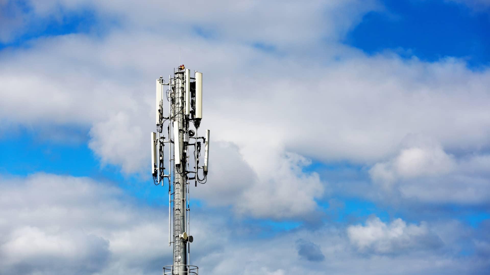 Antena telefónica representa cobertura euskaltel