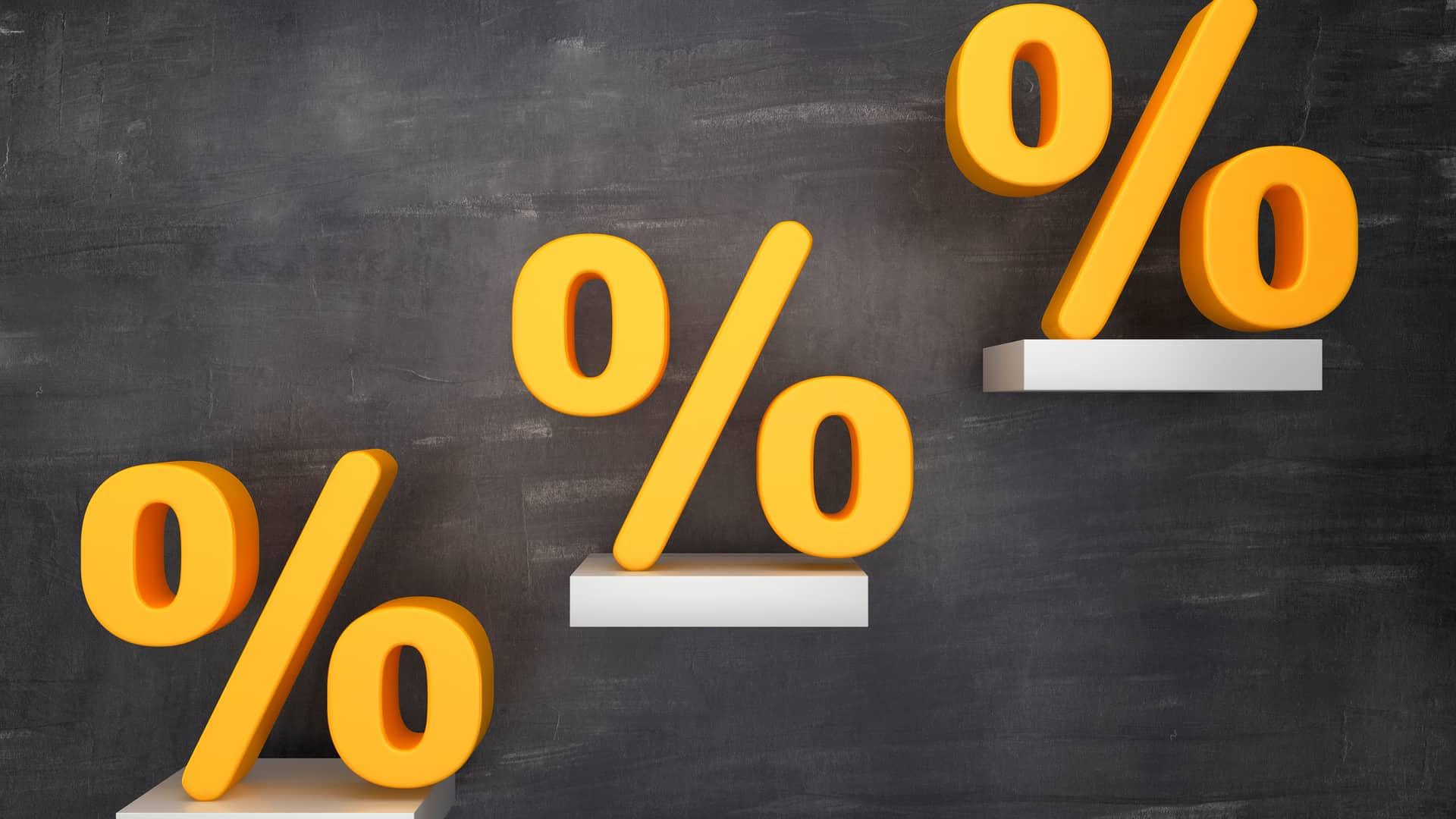 Escalera de porcentajes representa ofertas llamaya