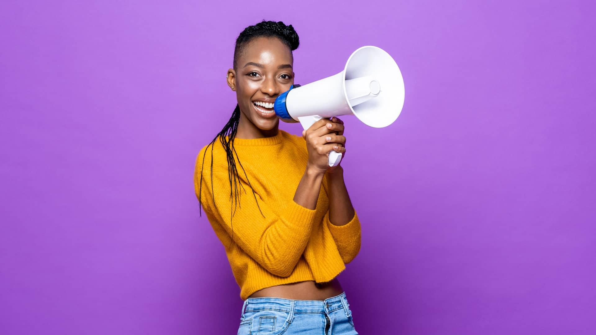 Bocadillo de texto simboliza la opinión sobre llamaya