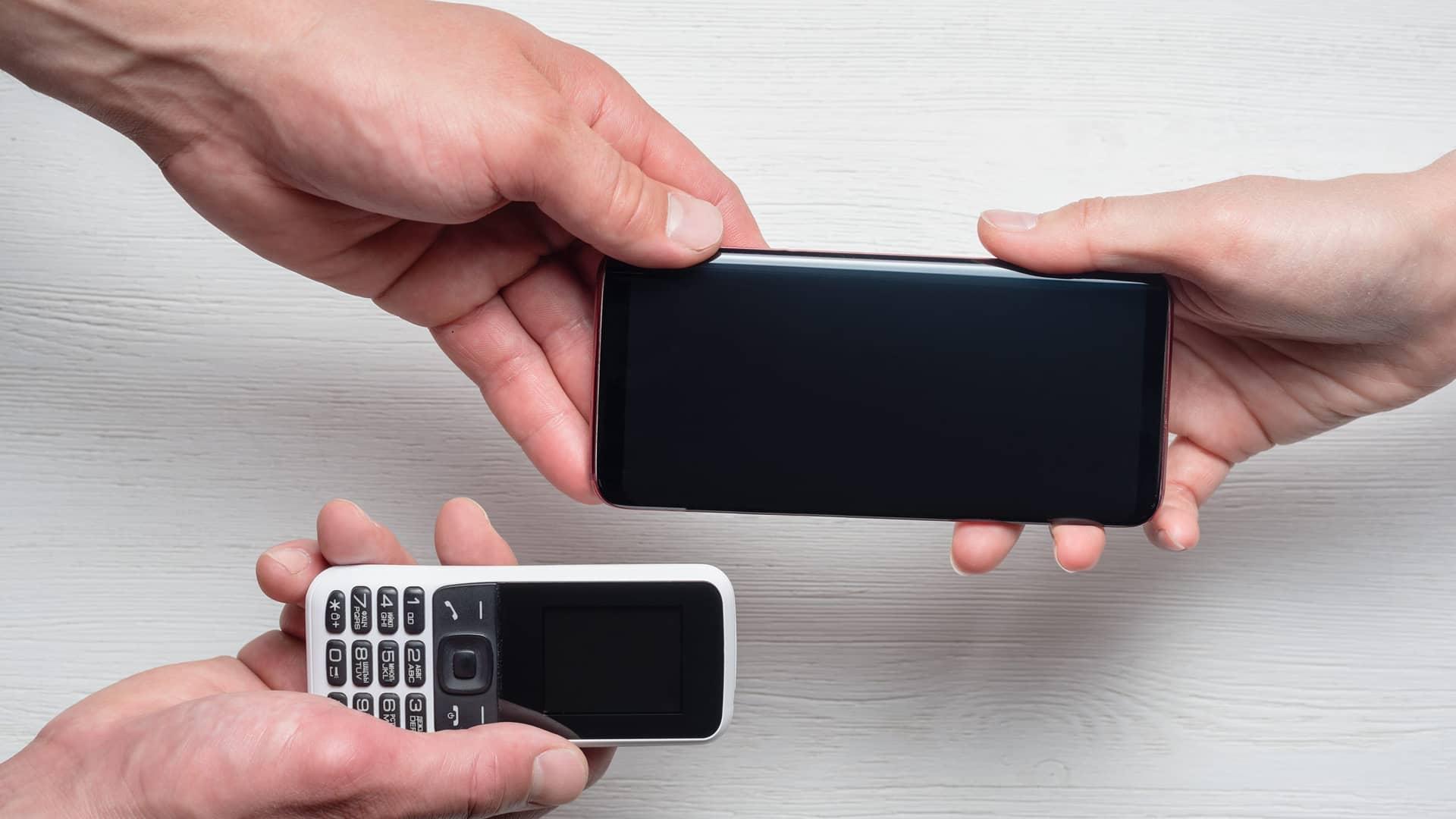 Joven saltando simboliza portabilidad lowi