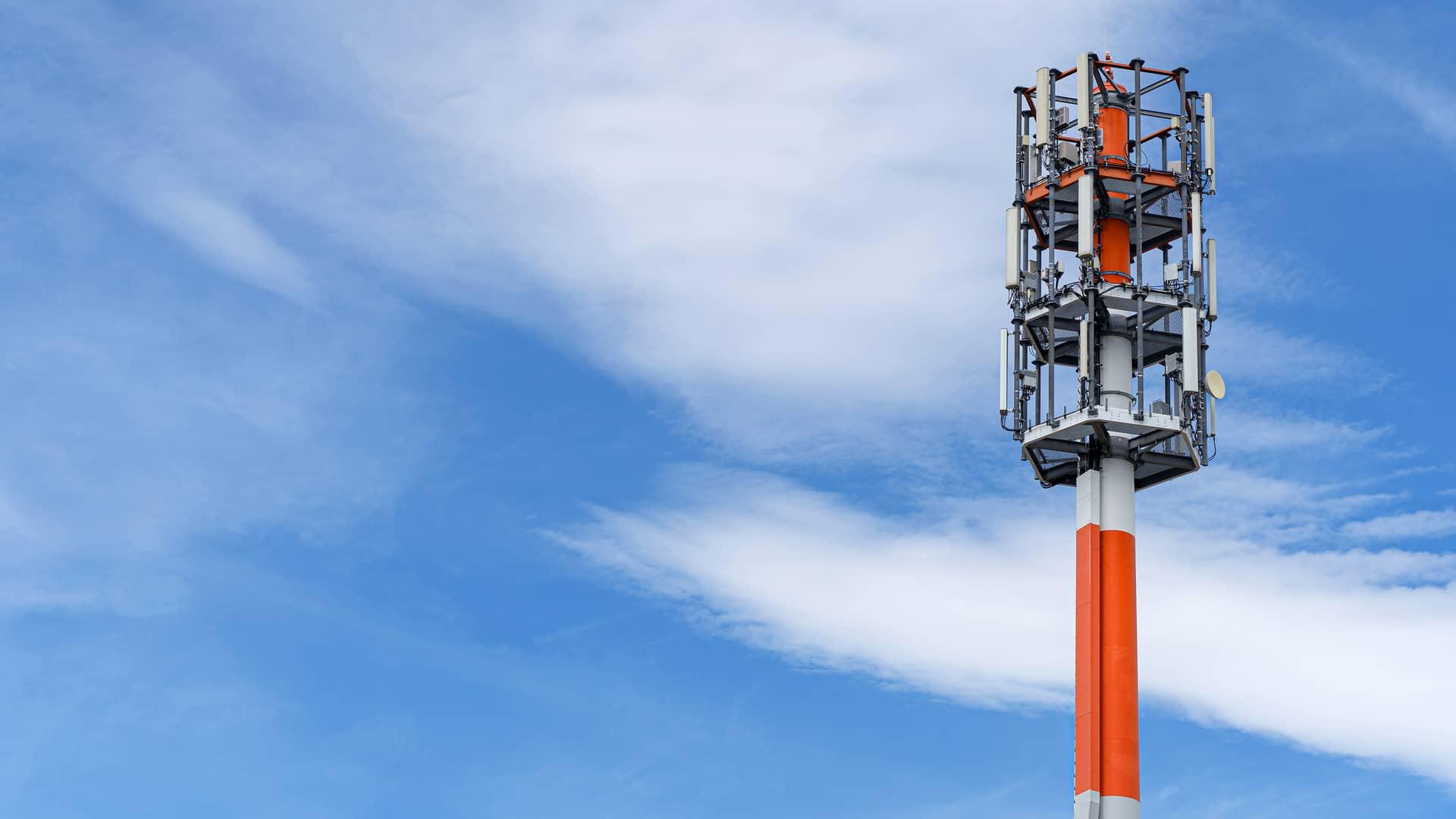 Antena telecomunicaciones representa cobertura de pepephone