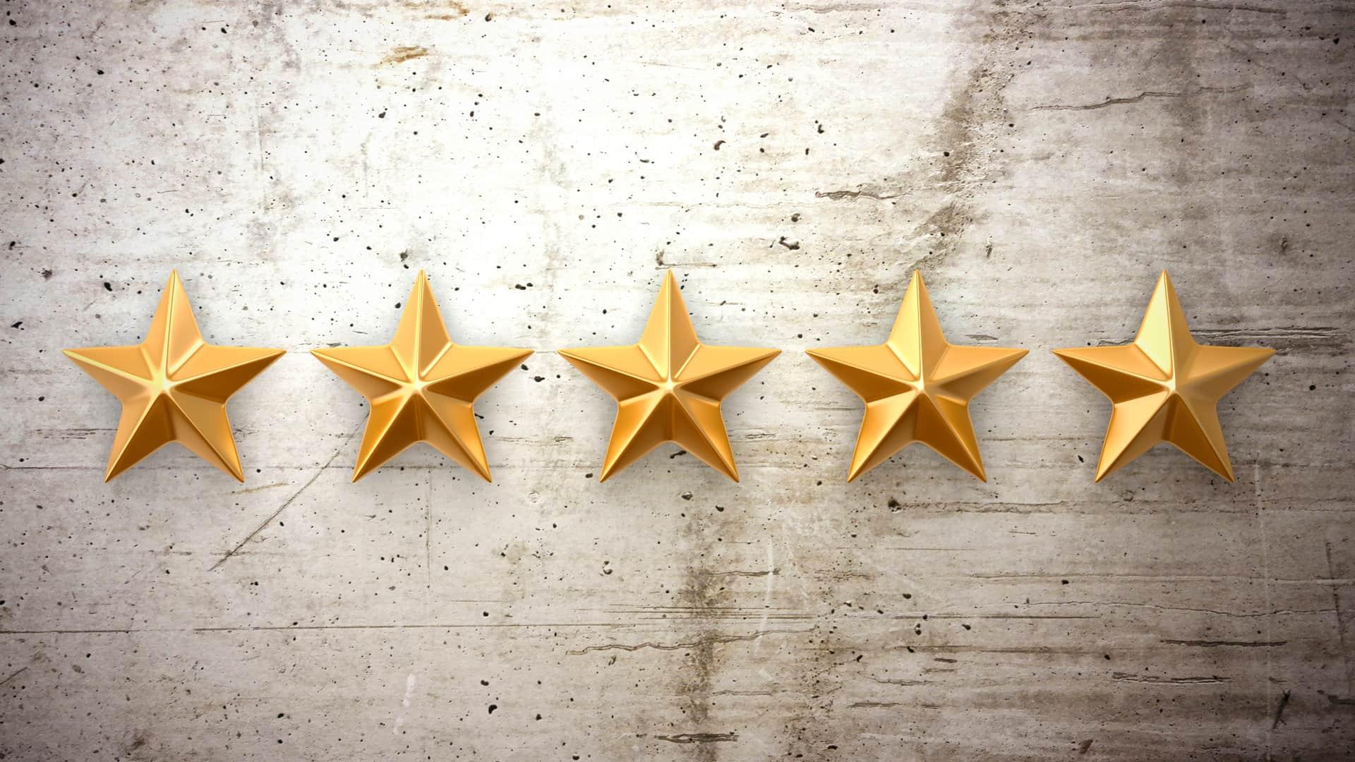 Cinco estrellas simboliza la opinión sobre el racc