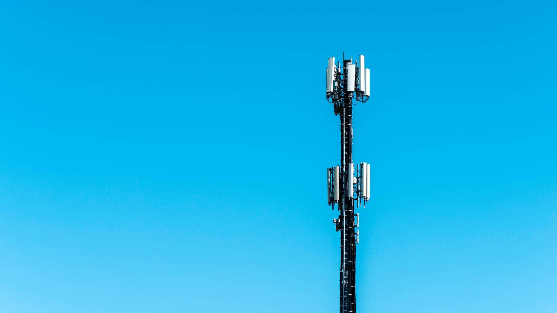 Antena telefónica simboliza coberturatue 5g tuenti