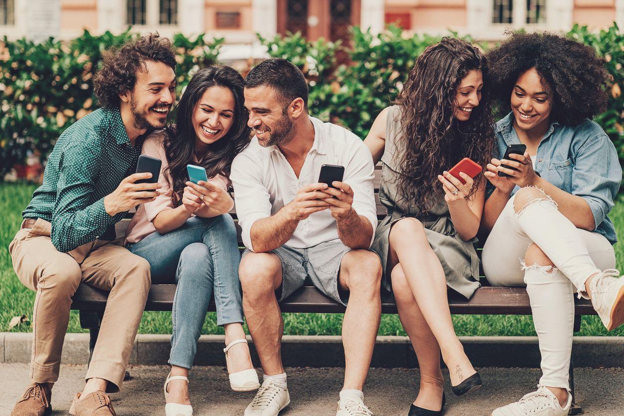 amigos con los mejores móviles