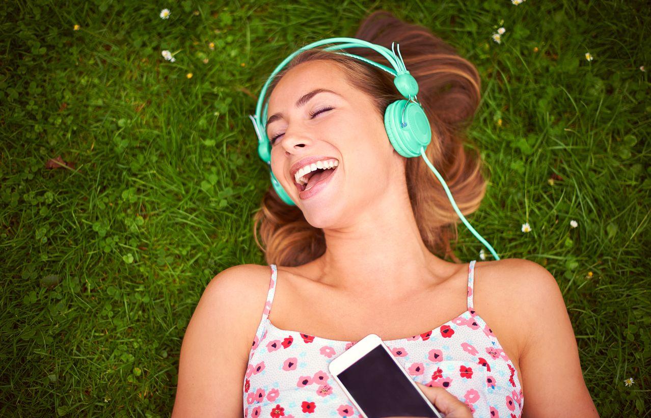 Escuchar música con Spotify premium