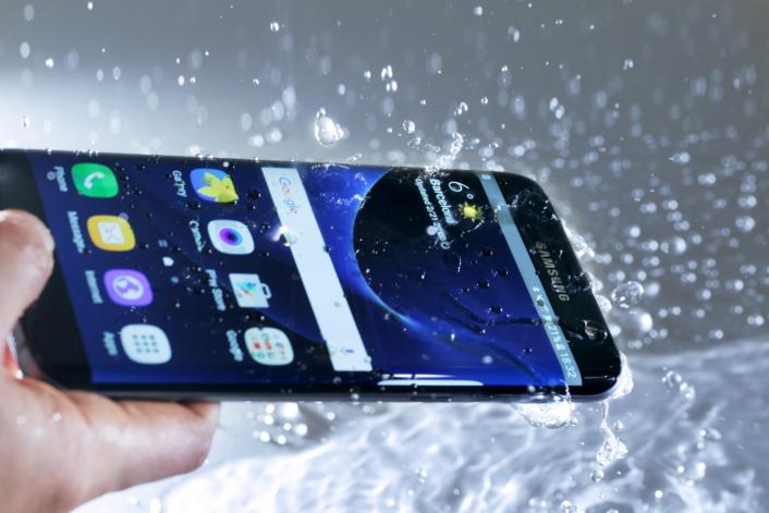 Galaxy S7 en el agua