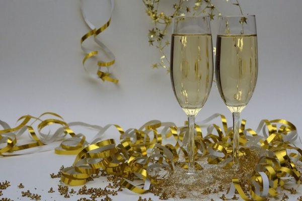 Copas para celebrar el feliz año 1017