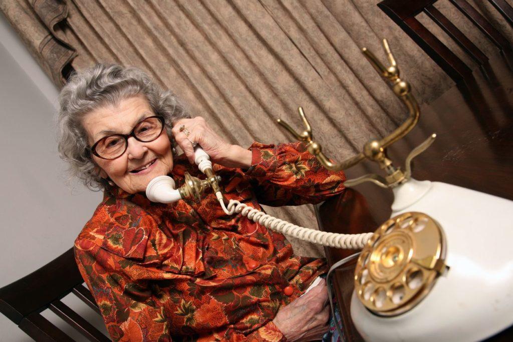 ¿Qué tarifa de teléfono fijo para mayores debemos escoger?