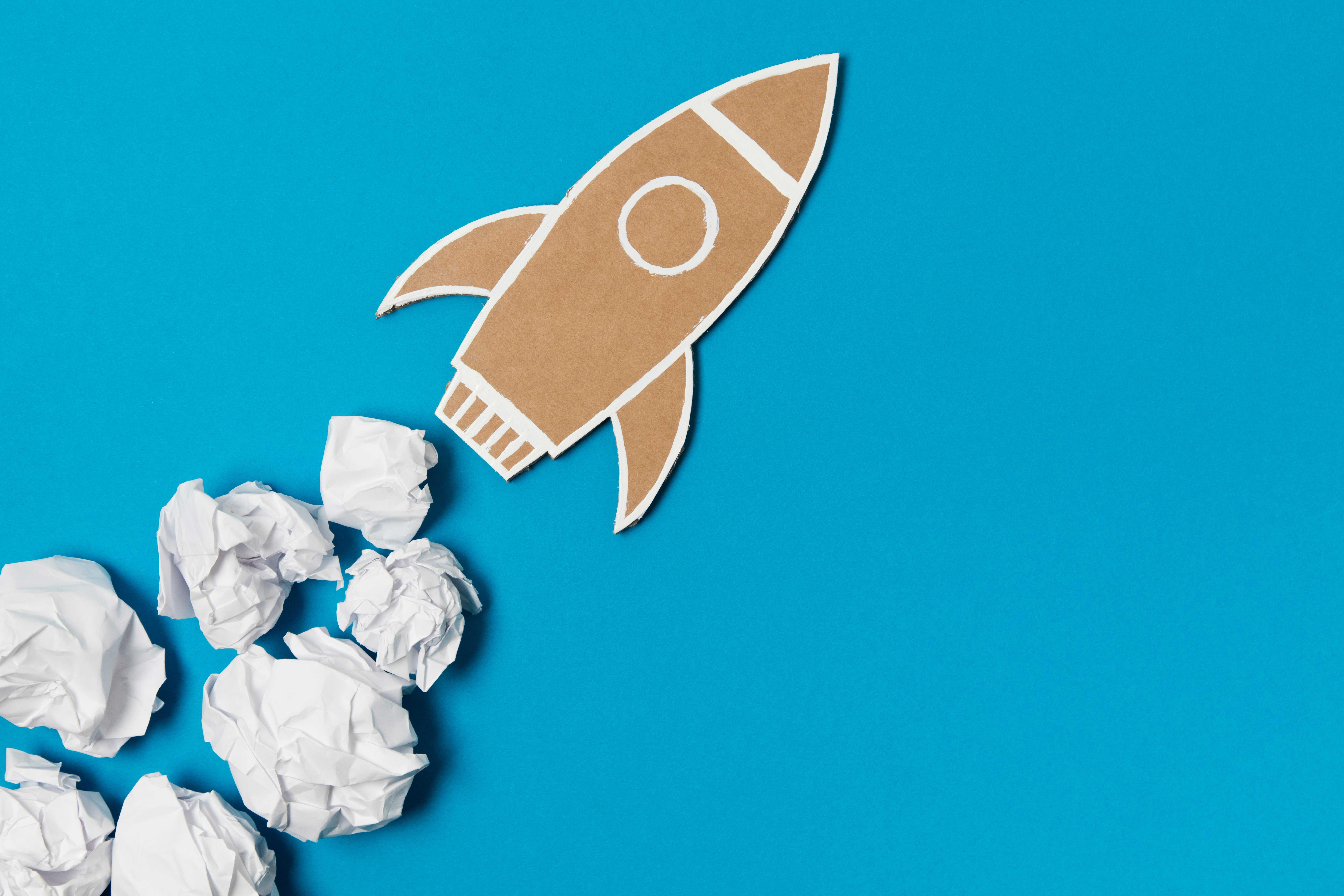 cohete de papel imita la velocidad movistar