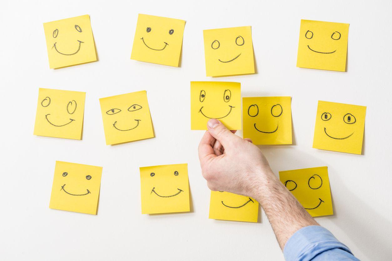 Notas amarillas con la mejor atención al cliente