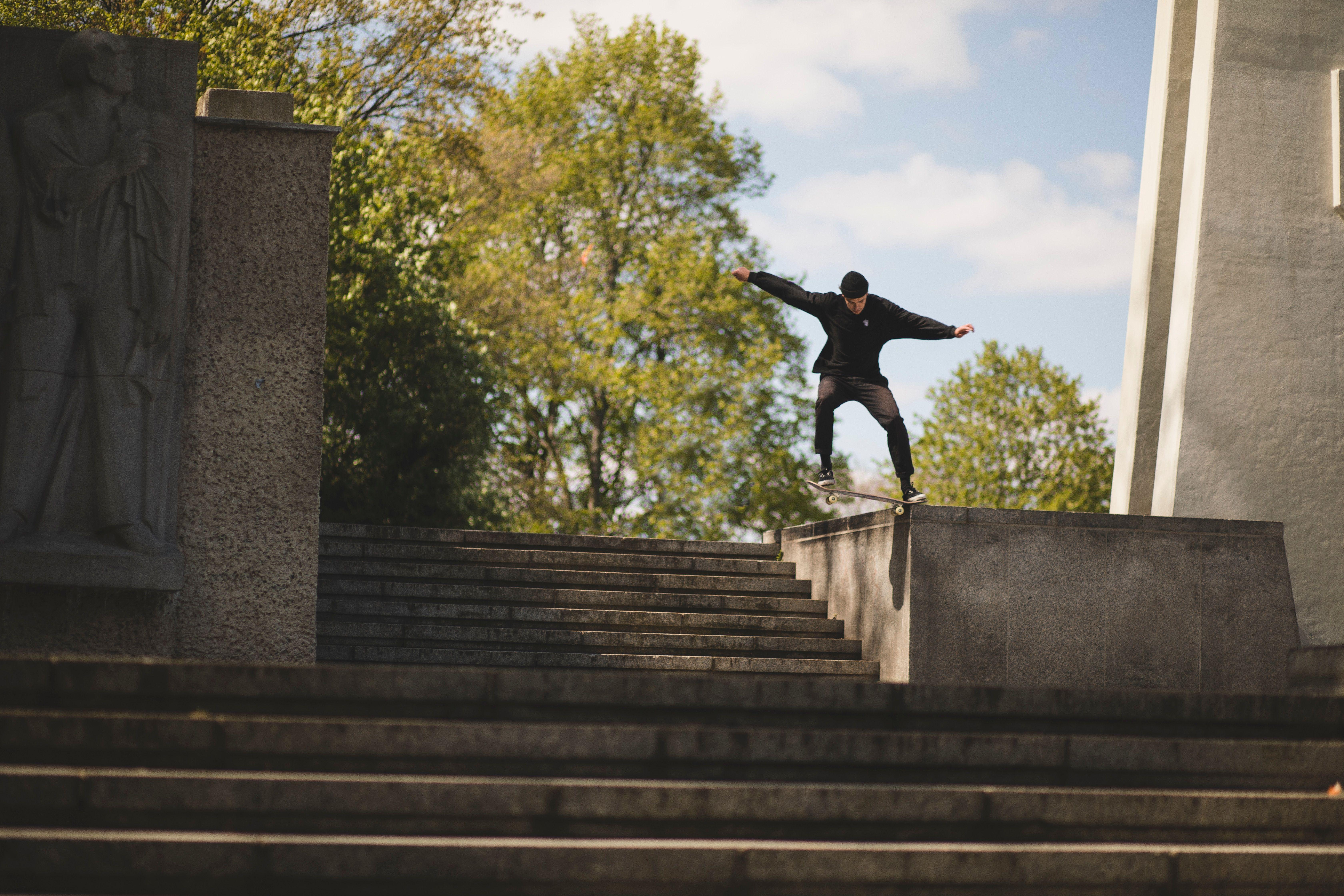 chico patina con su portabilidad a Suop