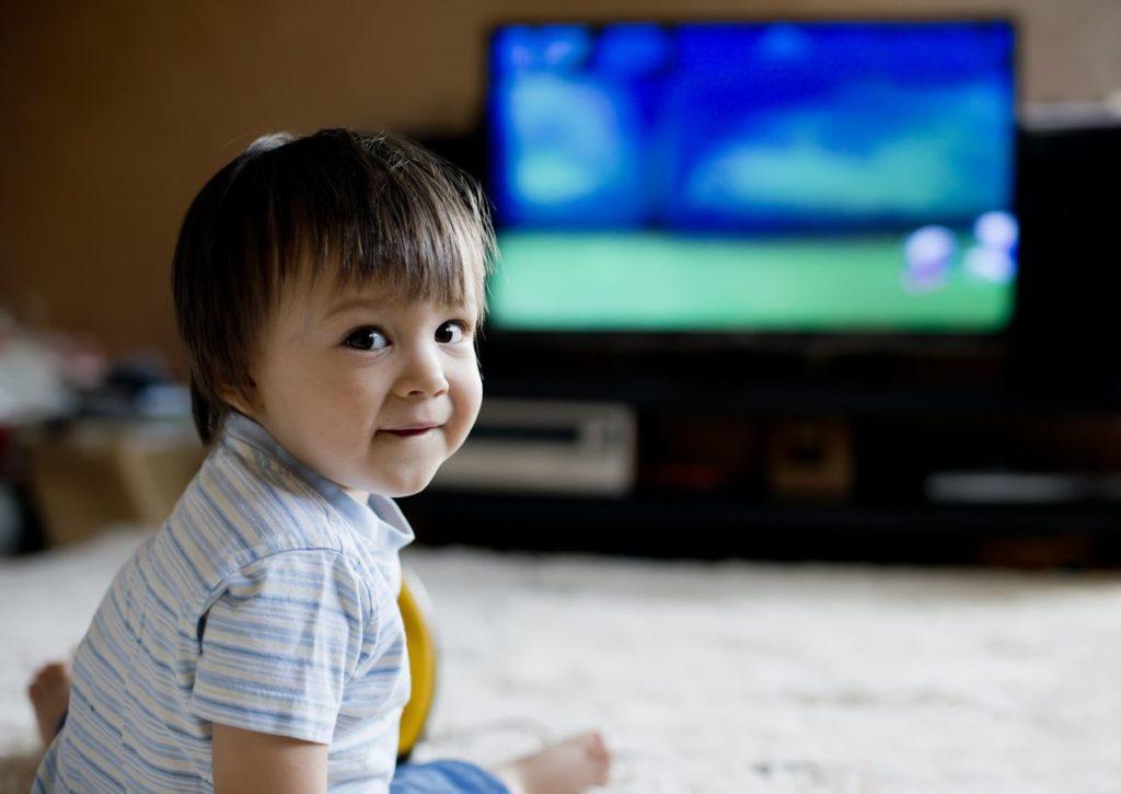 ¿Sabes qué operador ofrece canales infantiles? Mejores ofertas y programación