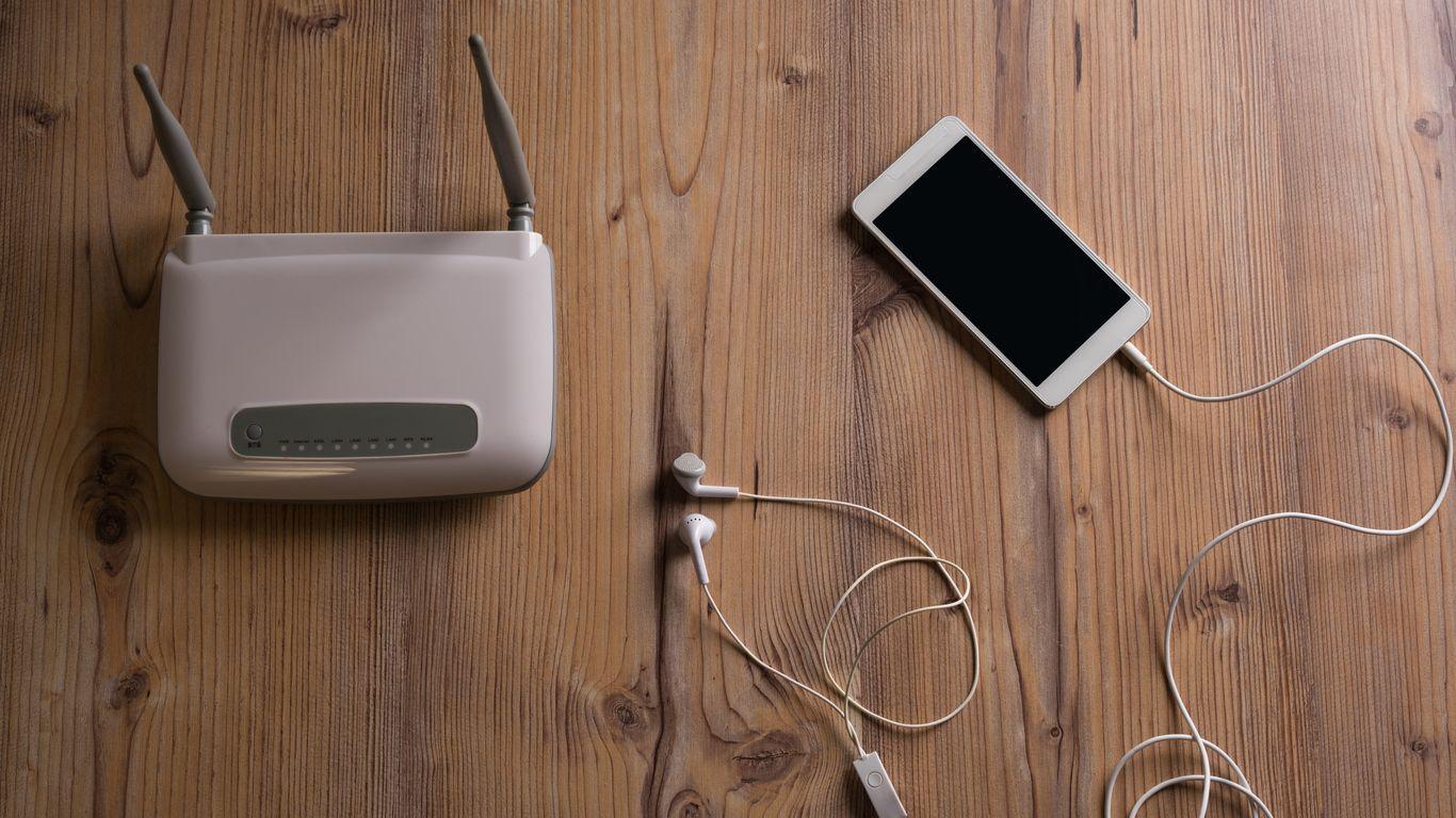 Ordenador para consultar tarifas 4G para módem Mi-Fi
