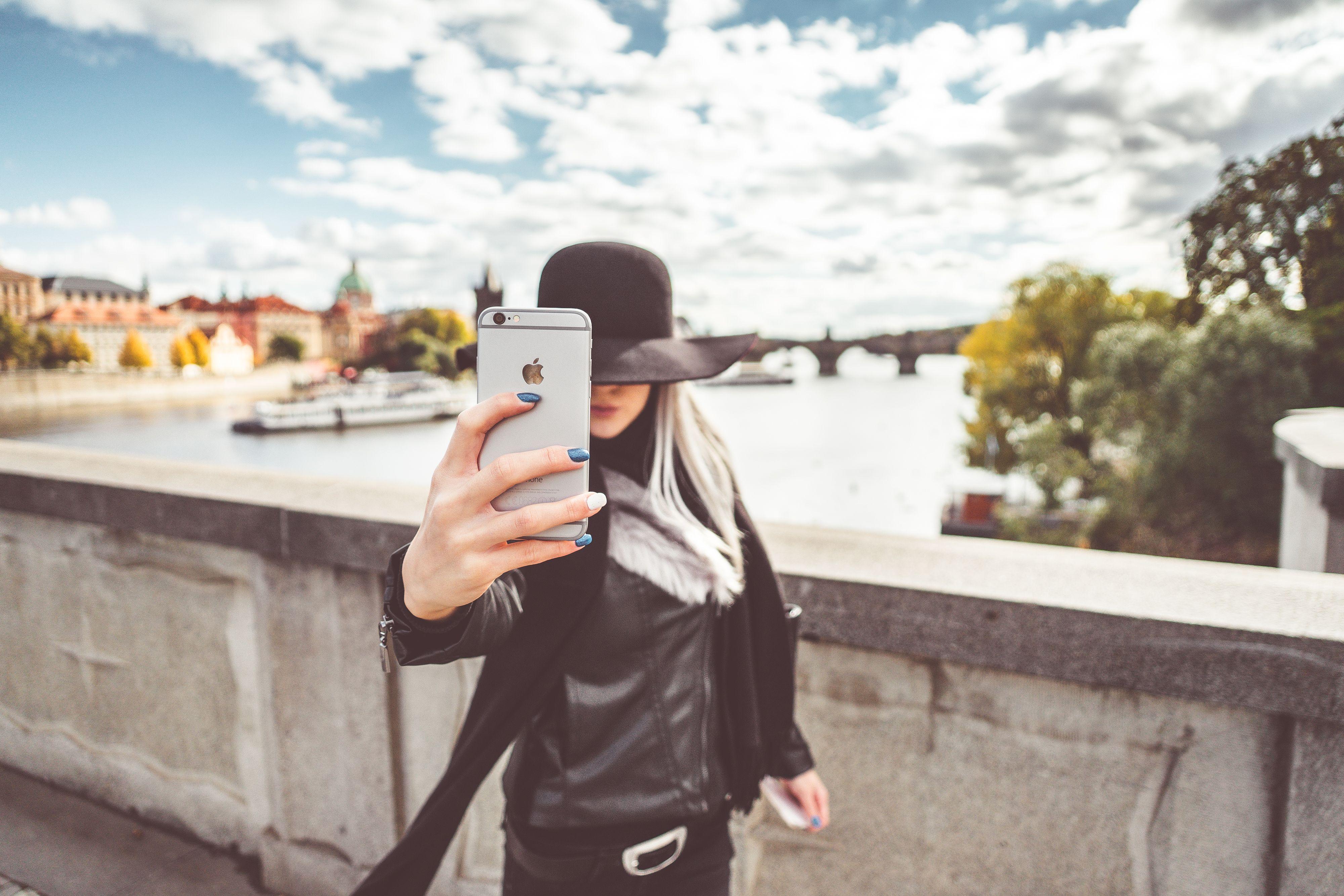 Chica pone a prueba las tarifas móviles de Pepephone
